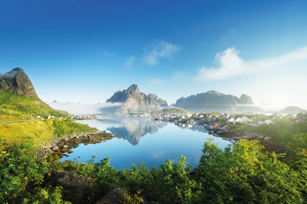 Lofoten Paradisiacal destinations in Europe Copyright Iakov Kalinin - European Best Destinations