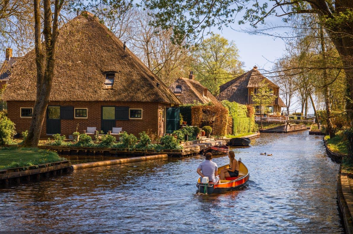 Best destinations to visit in the Netherlands - Giethoorn copyright Maurizio De Mattei - European Best Destinations