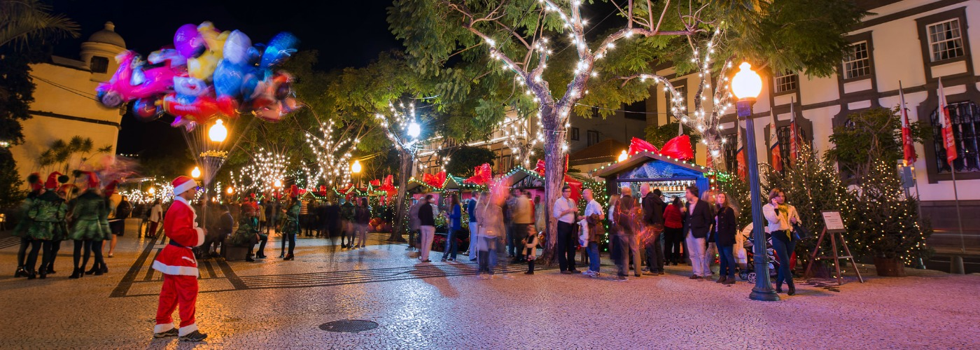 Christmas Lights Near Me 2019.Madeira Christmas Market 2019 Dates Hotels Things To Do