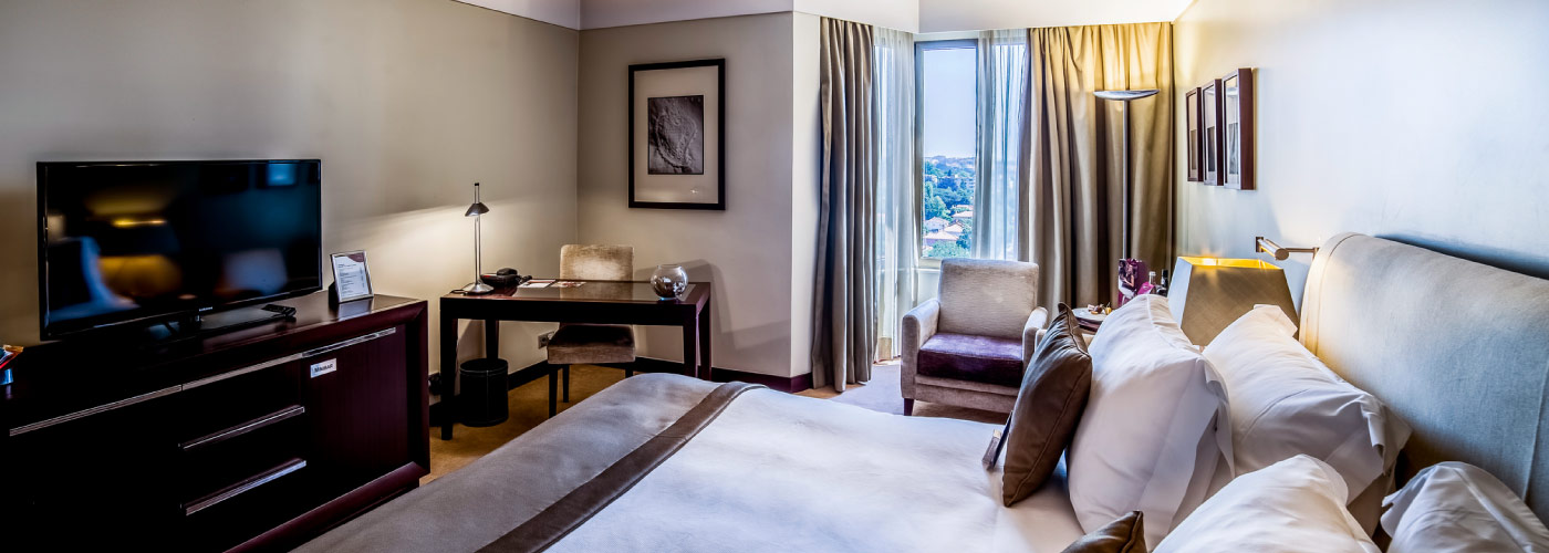 crowne-plaza-porto-hotel