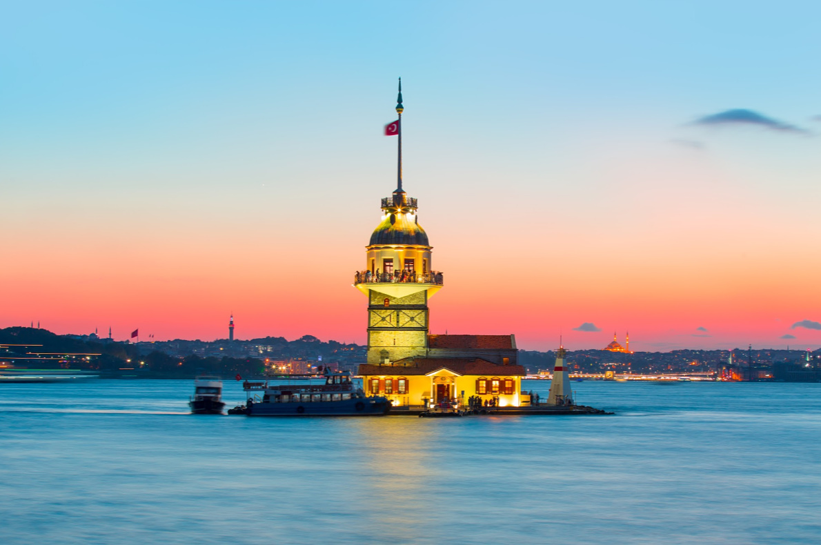 Bucket list Europe - Best things to do in Europe - Cruise on the bosphorus   -  Copyright muratart - European Best Destinations