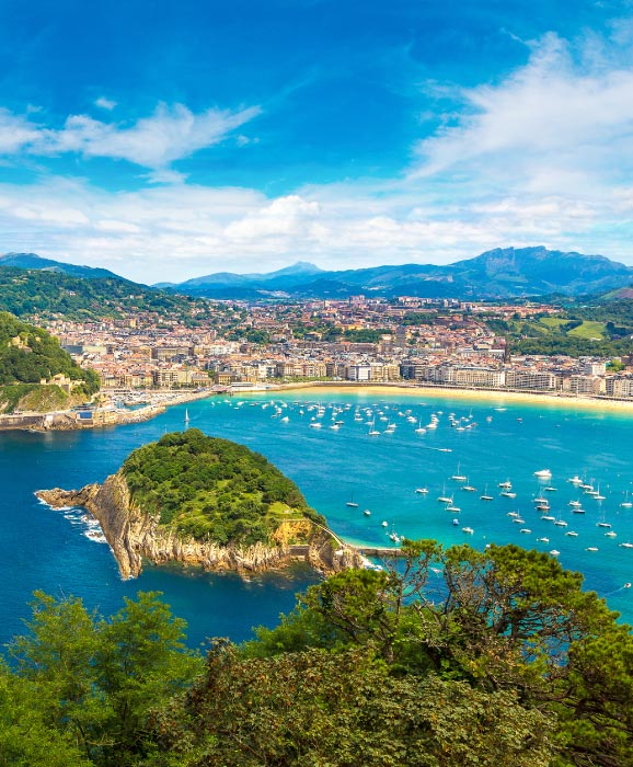 San-Sebastian-beach-tourism-Spain