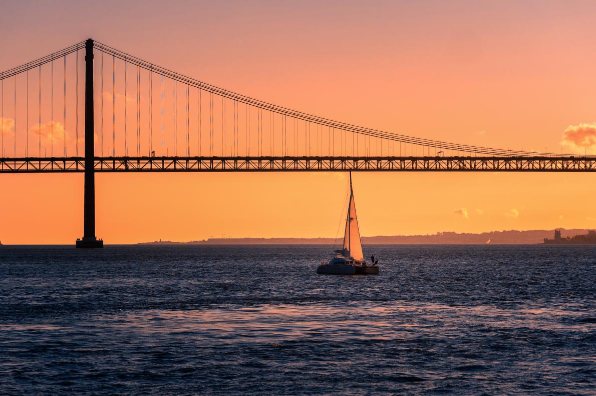 Portugal top things to do - Sunset cruise in Lisbon - Copyright  UschiDaschi - European Best Destinations