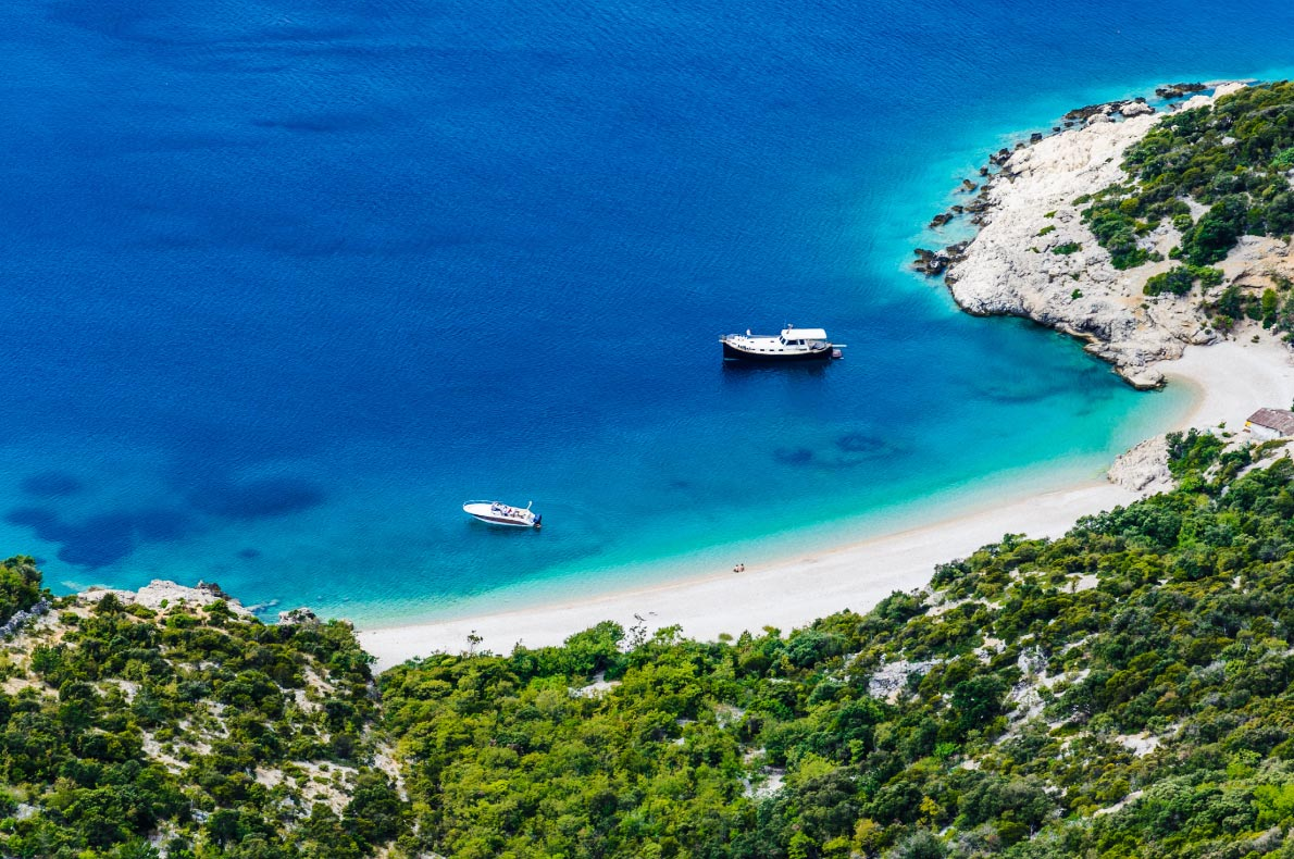 Best beaches in Croatia - Brela beach - Copyright Anna-Lurye - European Best Destinations
