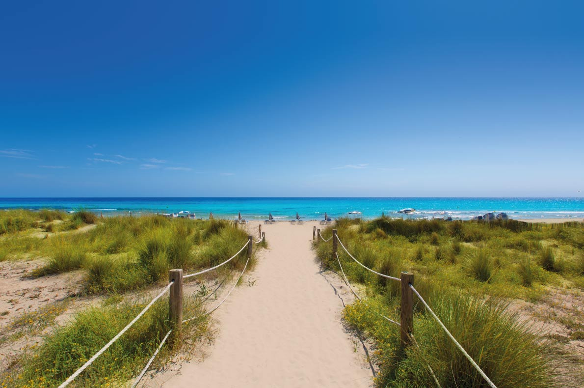 Minorca - Calla Macarelleta Copyright holbox - Best blue water holidays in Europe - European Best Destinations