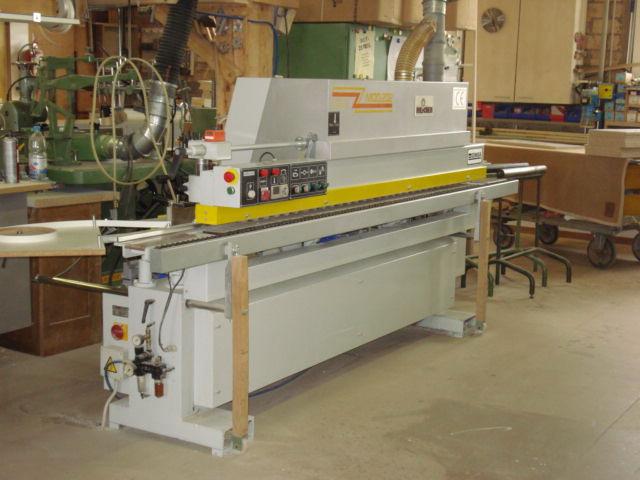 Kantenleim-Maschine: Anleimen und Bündigfräsen von Massivholz, ABS- und PVC-Kanten