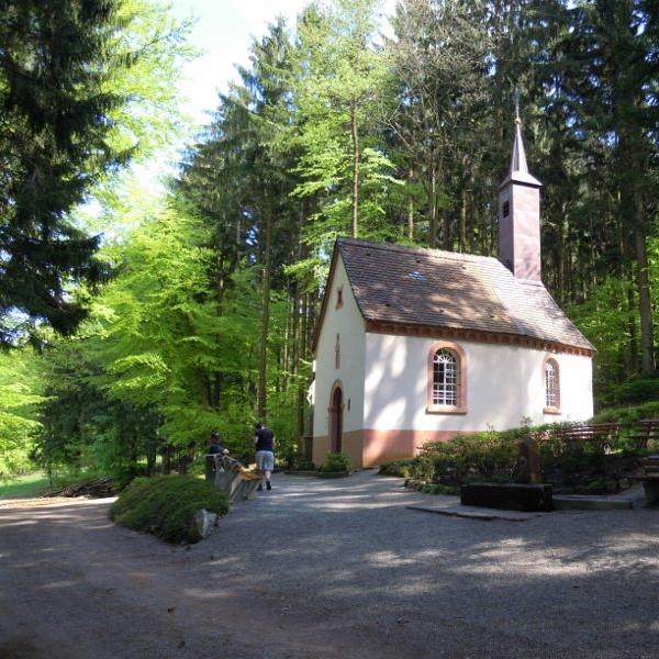 Wanderung zur Kniesteinkapelle