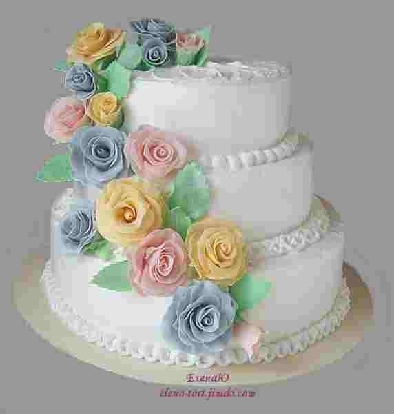 Трехъярусный кремовый торт, 4.3 кг, розы из сахарной пасты