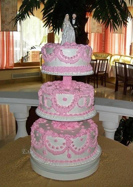 Трехярусный кремовый торт, 9 кг