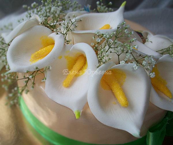 Торт на юбилей с каллами, детали