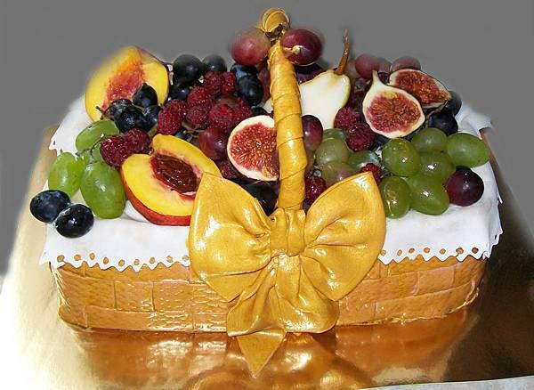 """Торт """"Корзина фруктов"""", вес 3 кг,  внутри """"Семифреддо с персиками"""""""