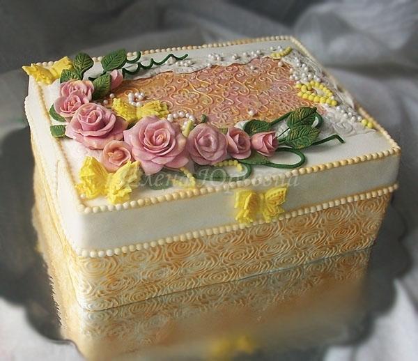 """Торт """"Винтажная шкатулка"""", вес 3 кг. Внутри птичье молоко с киви и виноградом"""