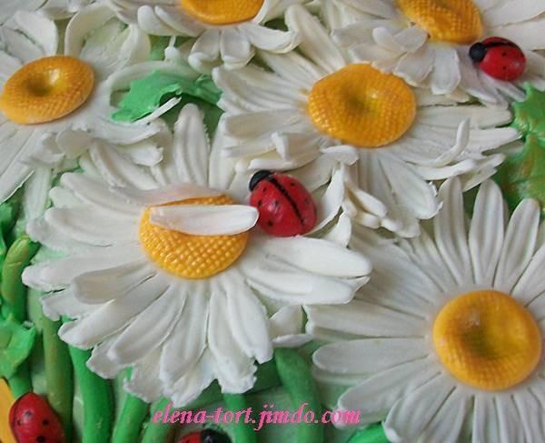 Ромашки ручной работы из сахарной пасты