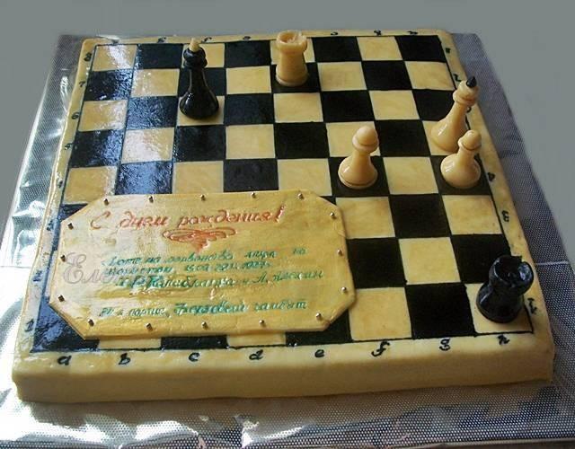 Торт шахматы, 2,5 кг, медовик