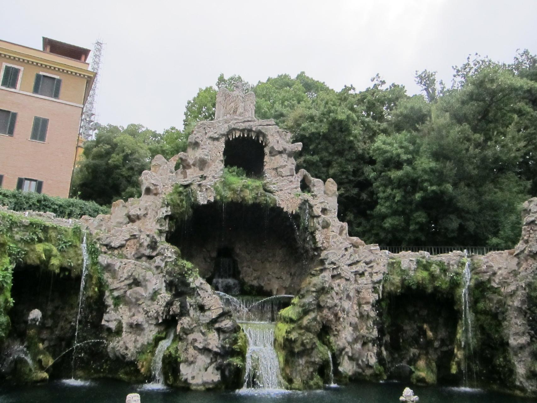 こちらの泉も変わらず。