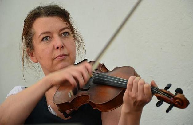 Gudrun Ratz-Geige,Nickelharpa