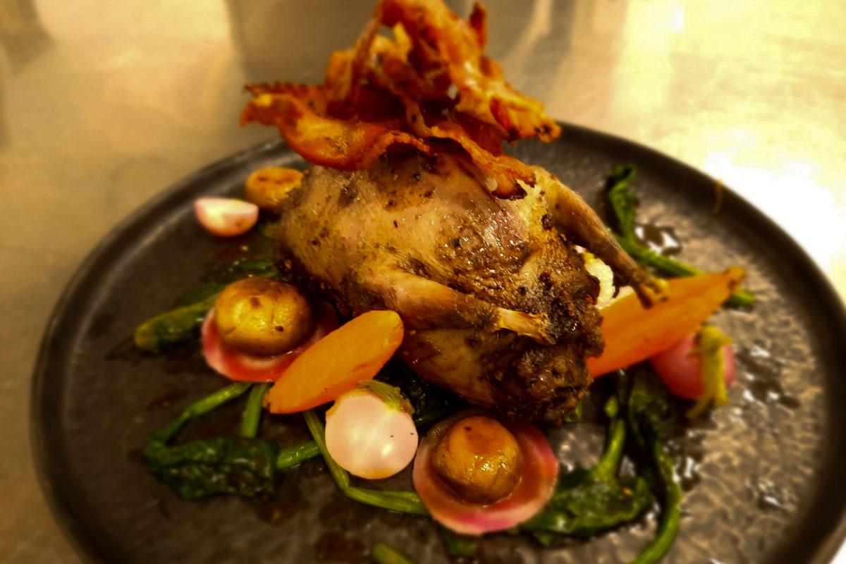 Kochrezept Wildfleisch - Gefüllte Taube mit Spinat und Karotten