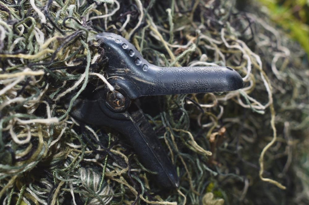 Klemmen für das Befestigen des Tarnnetzes