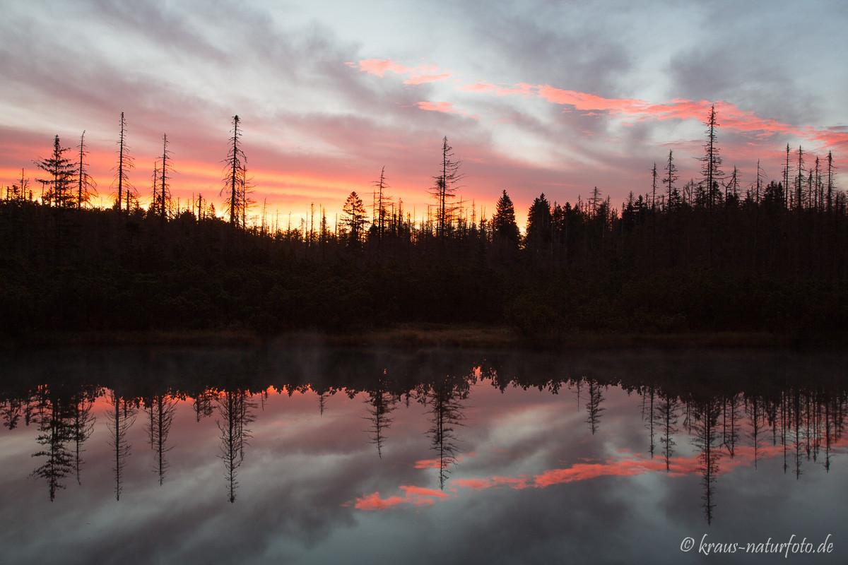 kurz vor Sonnenaufgang am Latschensee