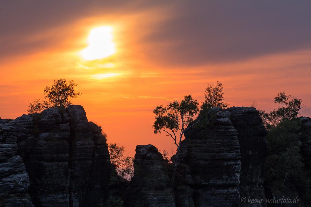 Sonnenuntergang über den Schrammsteinen