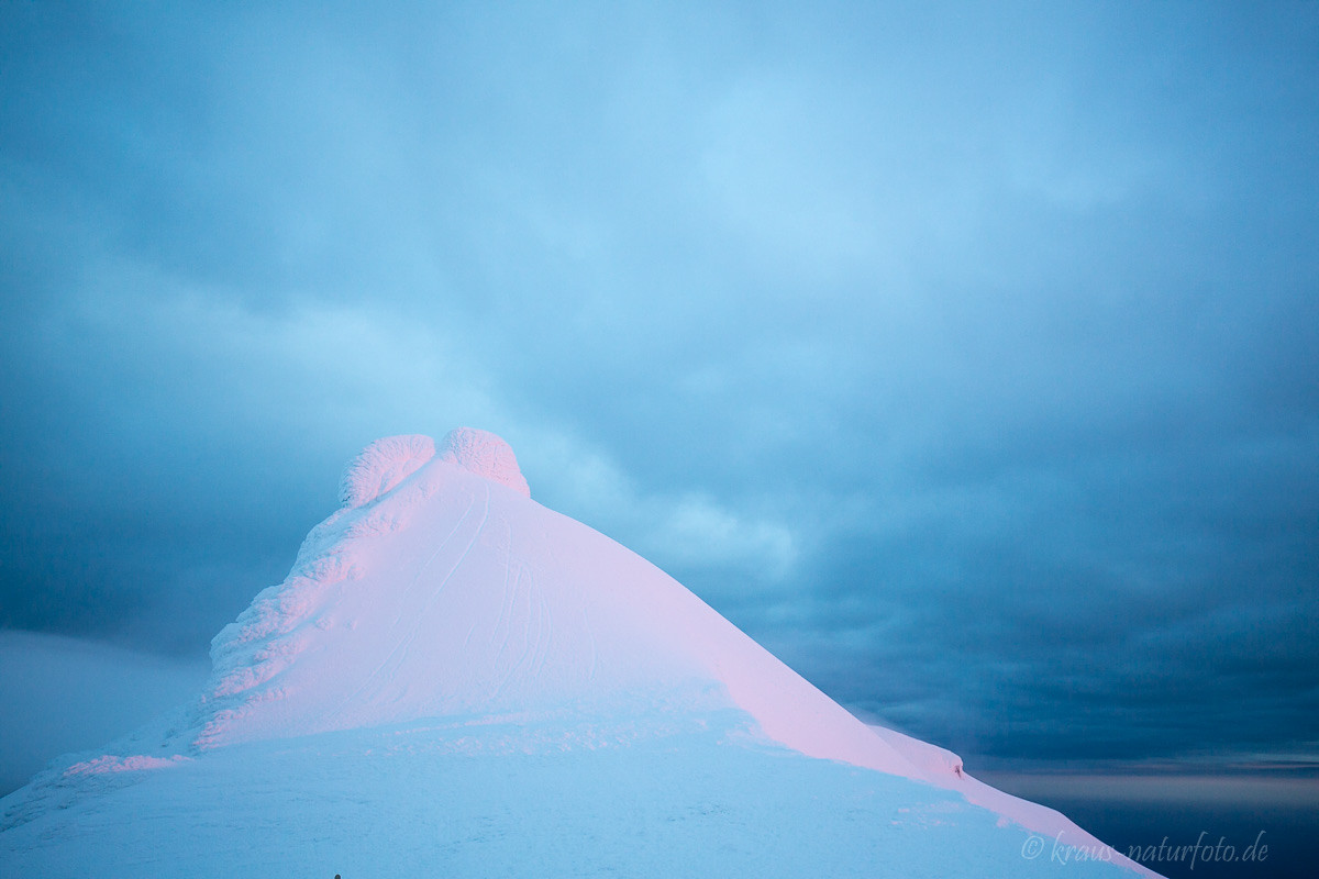 vereister Gipfelfelsen des Snaefellsjökull