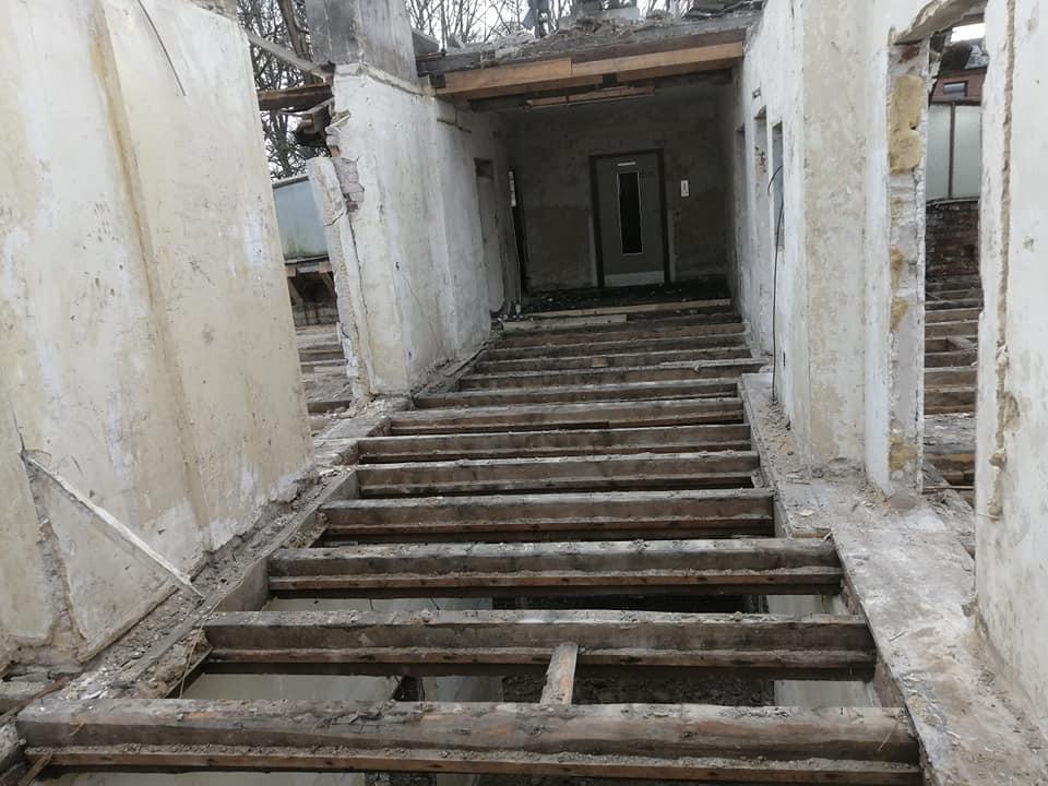 Komplett Entkernung inkl. Dachstuhl Rückbau St. Vincenz KH Essen