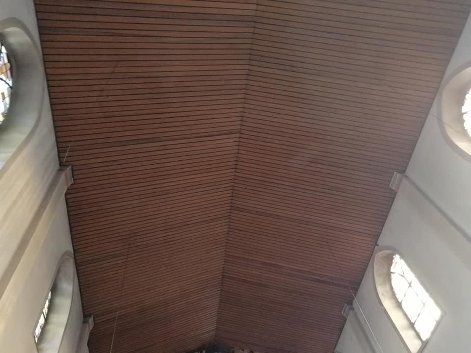 Selektiver Rückbau u. KMF Sanierung einer Decke in einer Kirche .Arbeitshöhe 16 m
