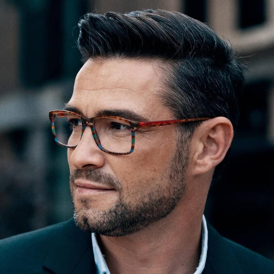 Von Hand gemachte Brillen aus Österreich