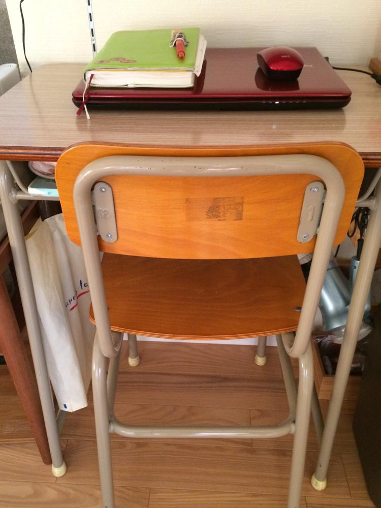 初DIY!!学校の机が…