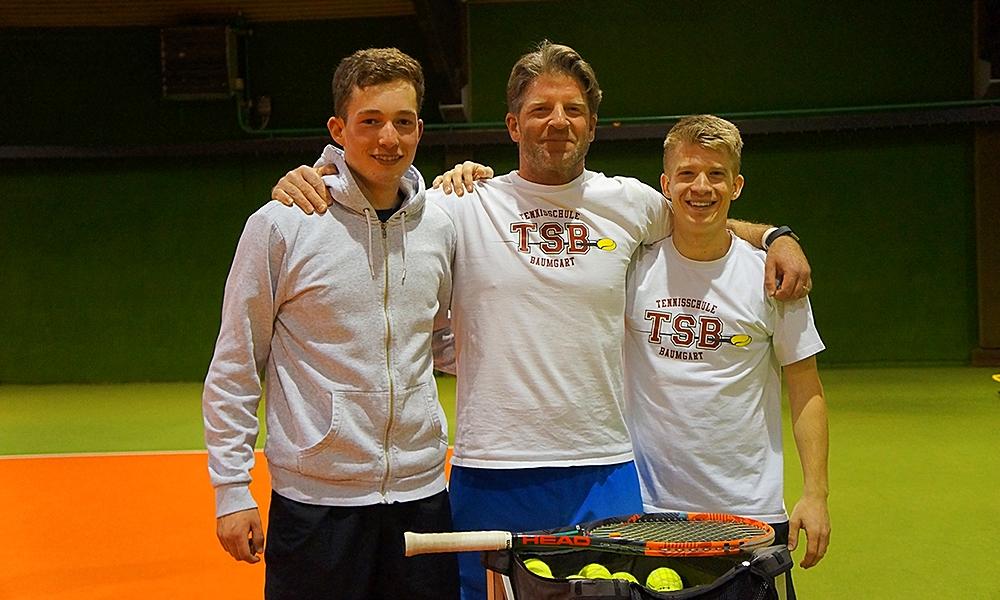 Co-Trainer Henri Sillem (li.), Cheftrainer Olav Baumgart, Co-Trainer Daniel Peiffer (re.)