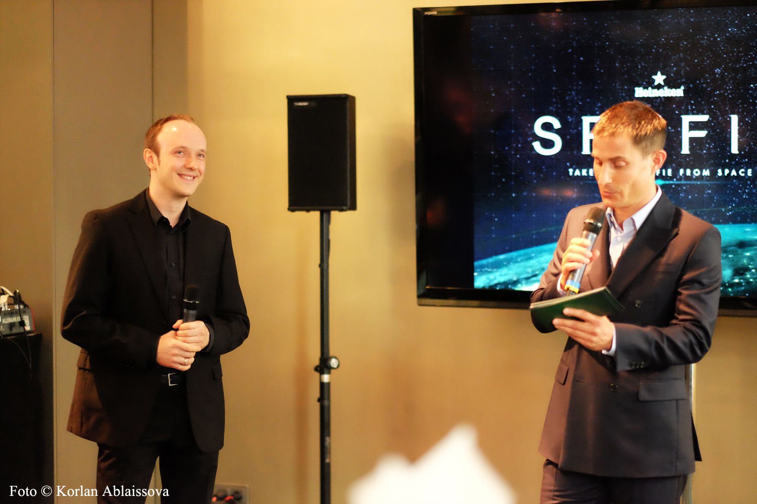 Eugen Kamenew (Astrophotographer of the Year 2014) and Clemens Schick (Actor in James Bond 007: Casino Royale)