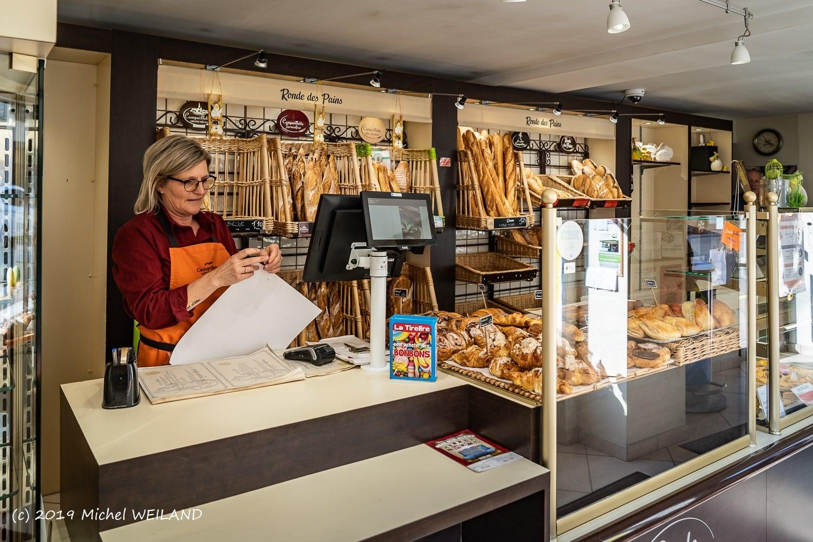 Boulangerie Preisler à Courcelles-Chaussy - comptoir et caisse