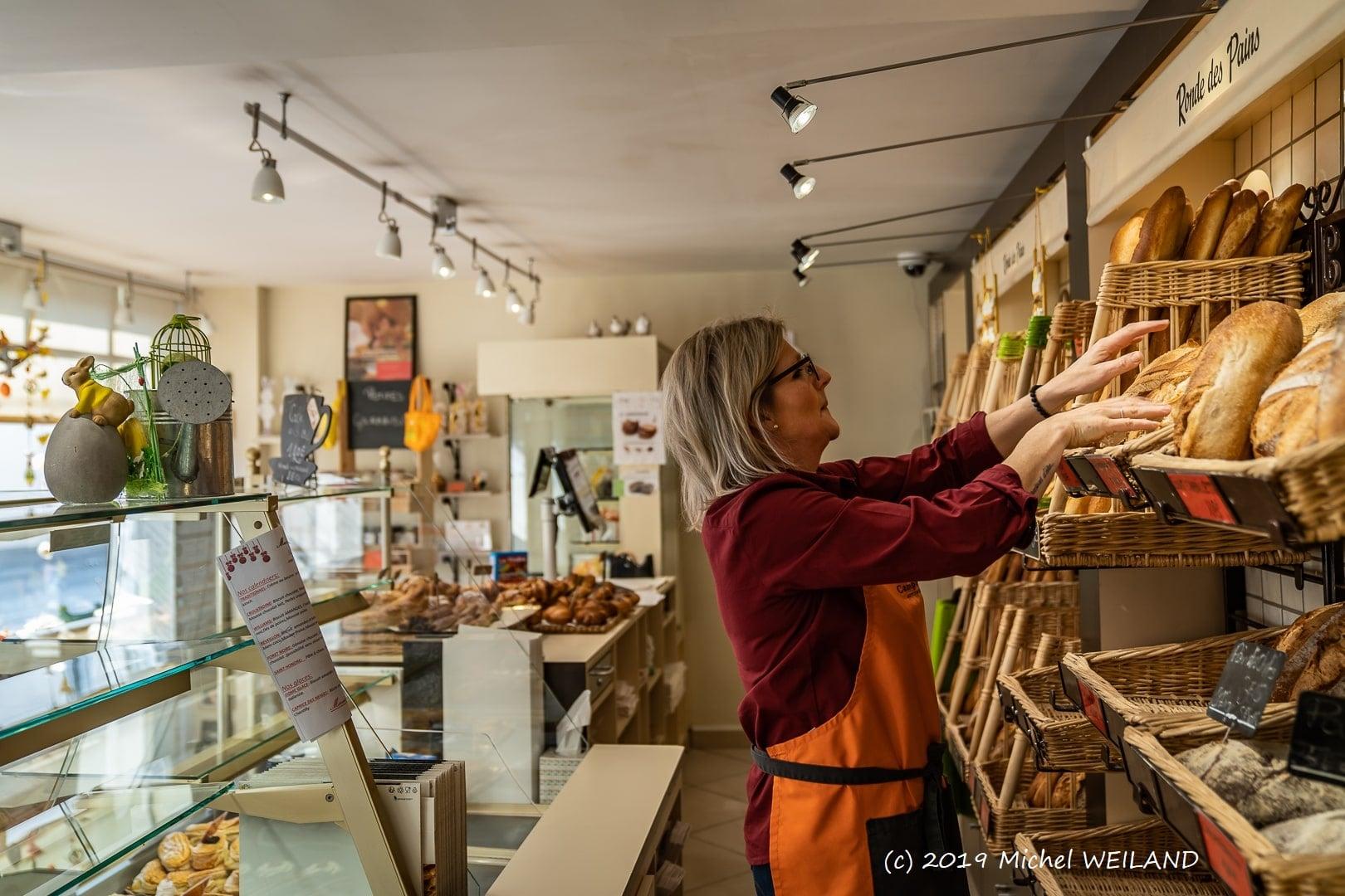 Boulangerie Preisler à Courcelles-Chaussy - rangement des pains