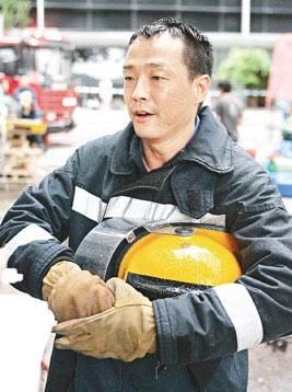 王喜在烈火雄心中扮演消防員,型到不得了(圖:新浪網)