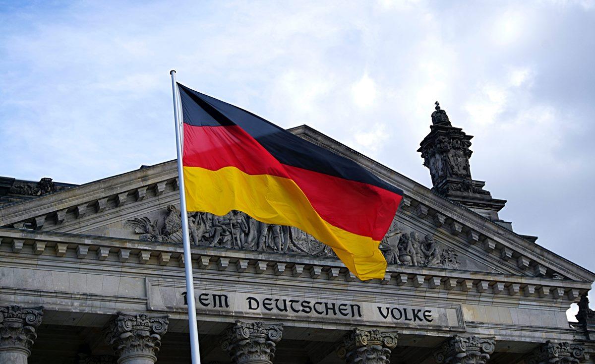 【德國戰線】城堡守衛戰,德國其實都有手足