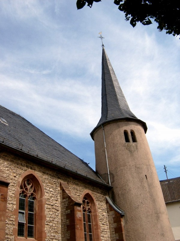 Kath. Kirche St.Mauritius mit Römerturm