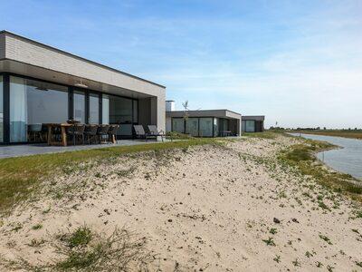 Te huur luxe wellness vakantiehuis met WIFI voor 8 personen met een Finse sauna in Zeeland huisdier toegestaan