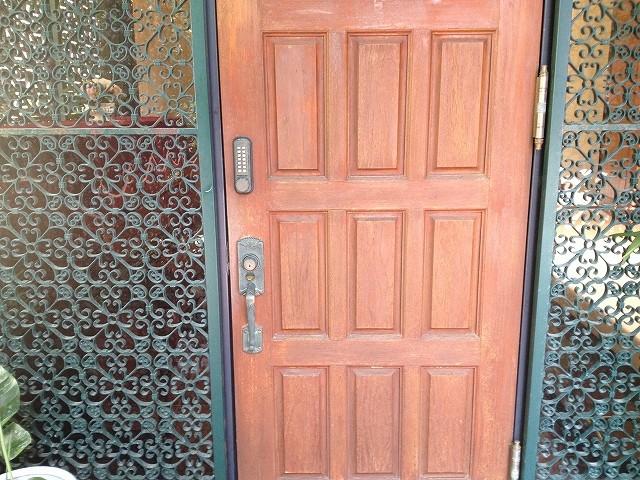 施工前のドアの拡大写真