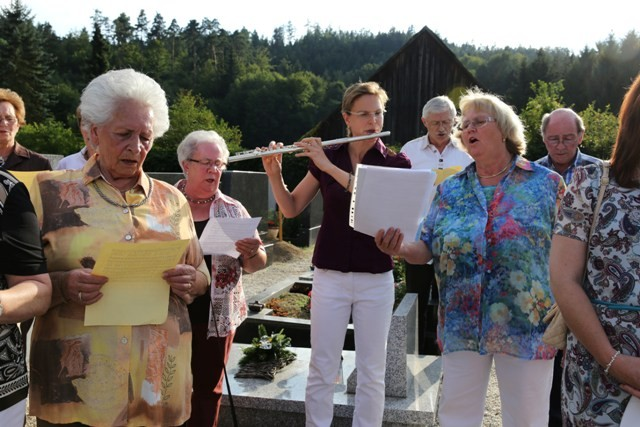 Musikalische Umrahmung Reina Schröder und Gabriele Schmid