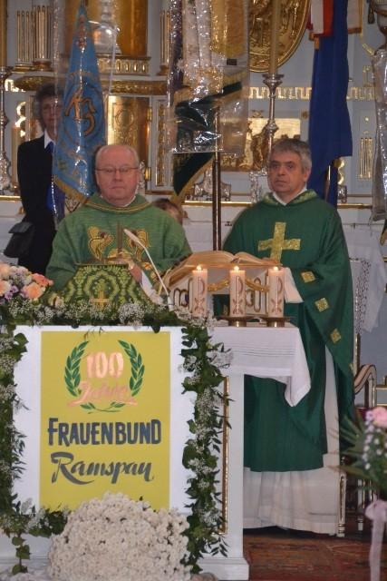 Pfarrer Josef Vogel und Pater Dr. Jakob Seitz