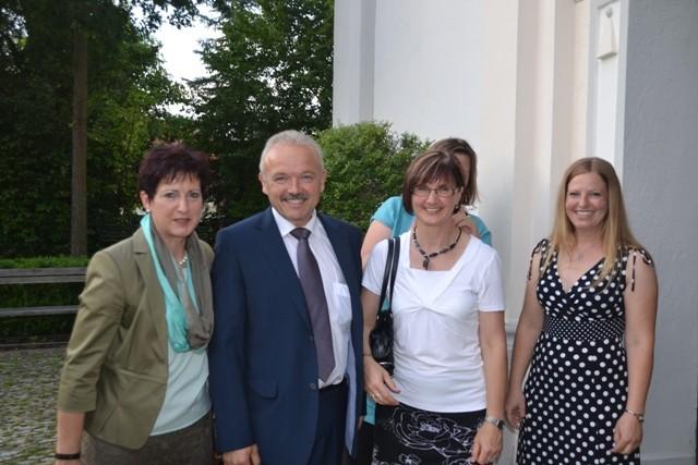 Waltraud Dirigl mit zweiten Bürgermeister Hr. Dechant, Frau Hochmuth
