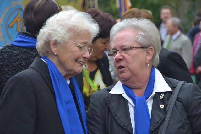 Ehrenvorsitzende KDFB Ramspau Gräfin von Ledebur und Frau Fohringer