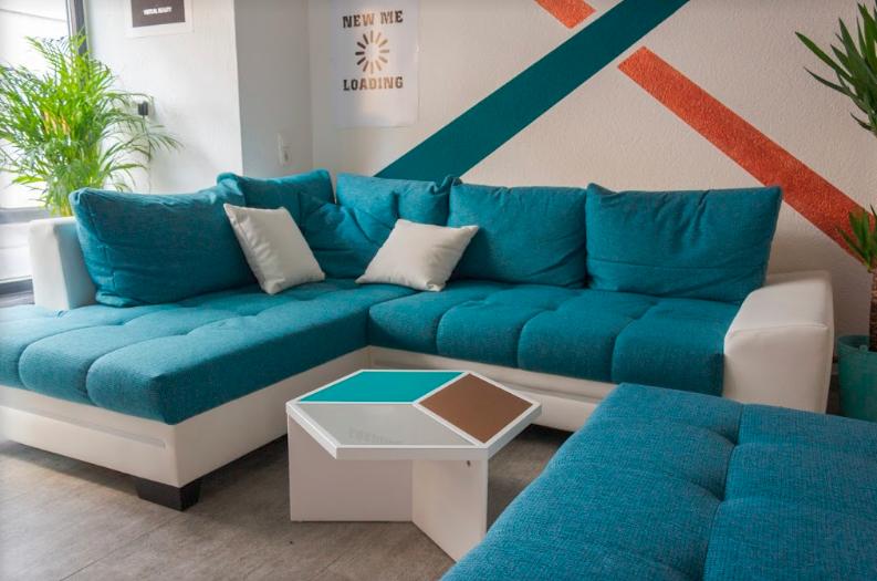 Bevor es losgeht - unser gemütliches Sofa