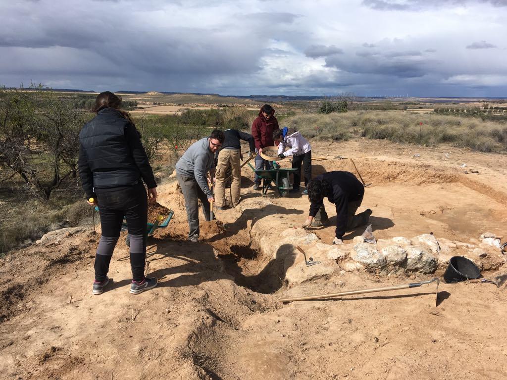 El proyecto de Arqueología, con sus arqueólogas/os y voluntarios/as, hace posible que exista una Semana Romana. ¡Son la base de todo esto!
