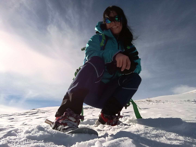 Michaela Buchinger steigt gleich mit ihren Schneeschuhen ein