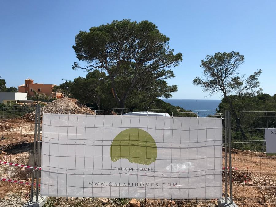 La promotora Cala Pi Homes construye en solares con vistas al mar en el litoral mallorquín.