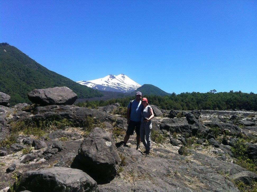 Wir zwischen Felsbrocken im PN Conguillío Foto: TrufulCo