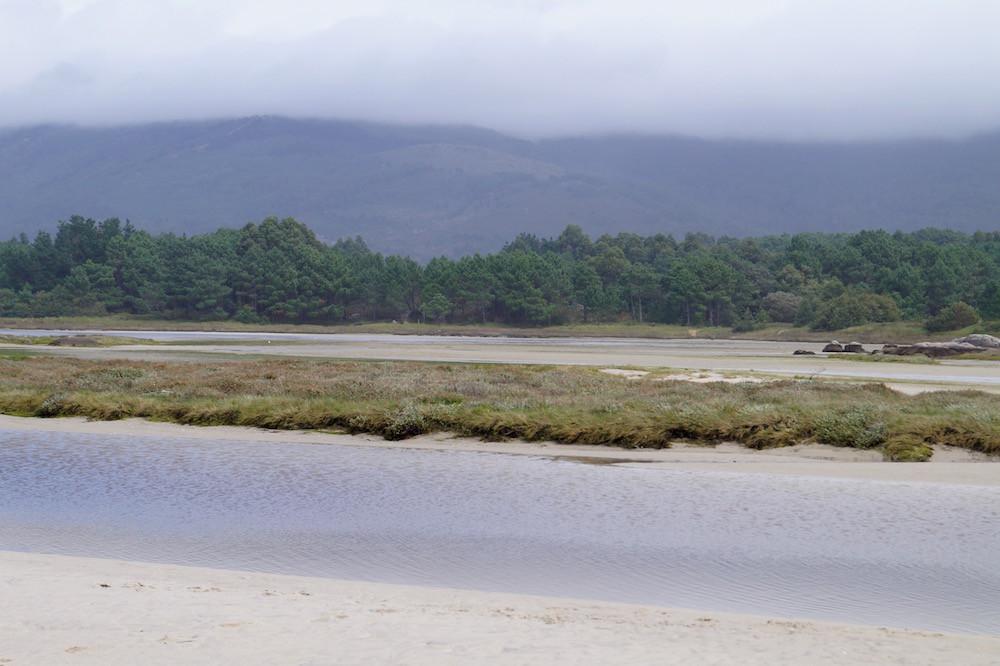 Praia de Carnota: Durch die Dünen zum Strand