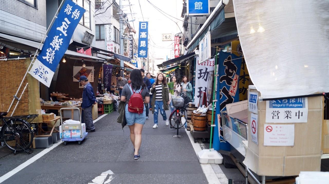Der Tsukiji/Outer Market: Markstände und Sushi-Läden