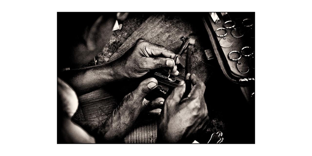 The engraver, India © O.B.S.